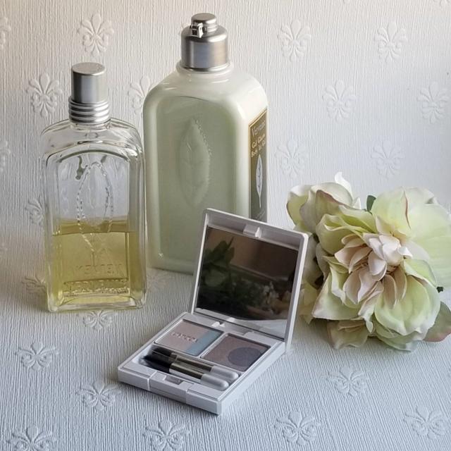 ビフォー写真:背景に壁紙を使った。このままでも十分きれいだけれど
